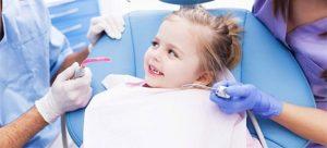 Stomatologia pentru copii poate fi mai puțin traumatizantă, înlăturând din start frica de stomatolog