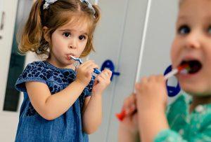 Stomatologia pentru copii se bazeaza pe invatarea igienei corecte