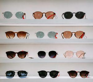 Alege sa ai cele mai cochete accesorii purtand ochelari de soare dama!